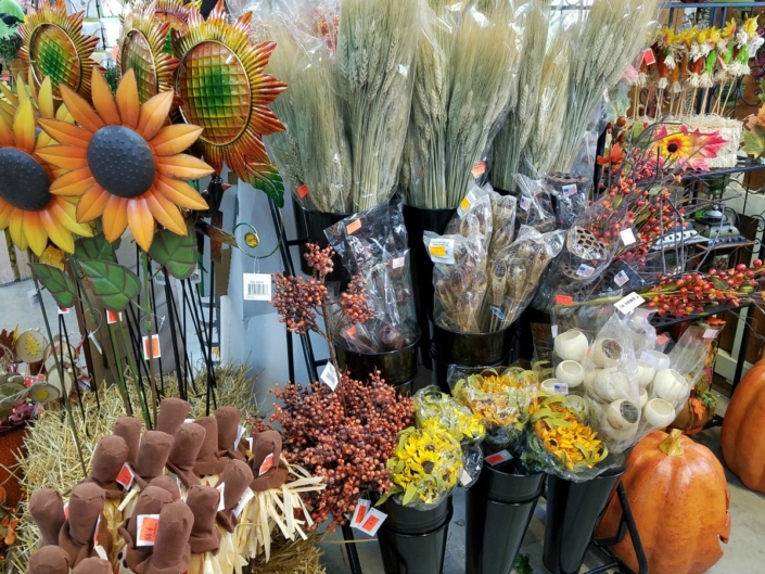 Herbeins Garden Center Fall Decor