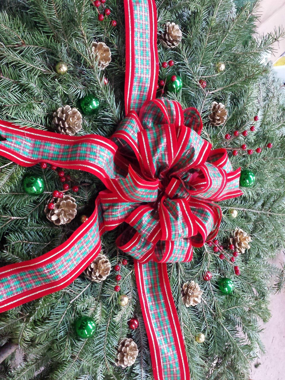 Herbeins Garden Center Christmas Grave Blanket